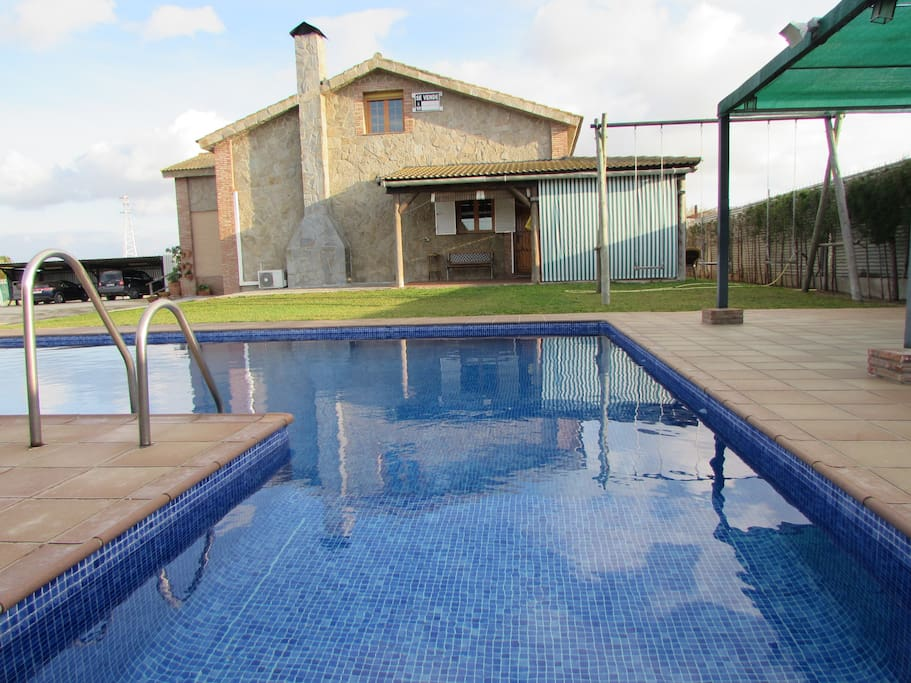 Cortijo luna con piscina privada villas for rent in for Piscina jerez de la frontera