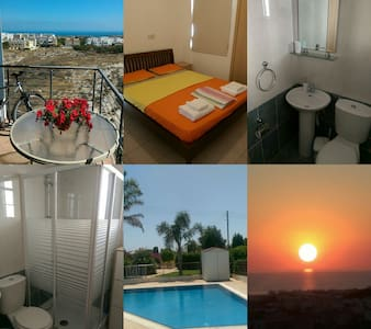 PRIVATE DBL ROOM SEA VIEW-BATHROOM - Paralimni
