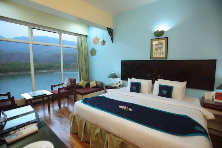 Premium Room 180 Degree River View on The Ganga