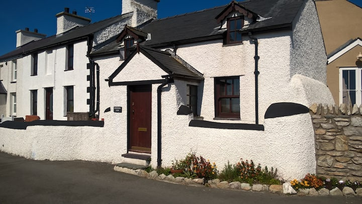 Snowdon View - cosy cottage with stunning views