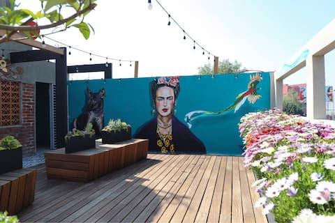 Private studio on Frida's terrace! BEST location