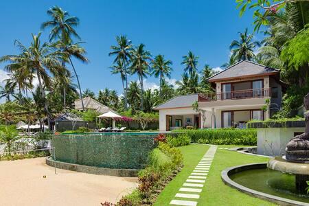 Stunning New 4 Bedrooms Villa, Candidasa; - Daire
