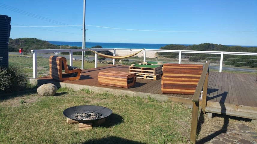 4 BR Accommodation in Beaumaris - East Coast