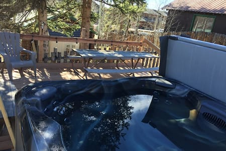 Cabin #3 In the village w/ HOT TUB! - Grand Lake - Srub
