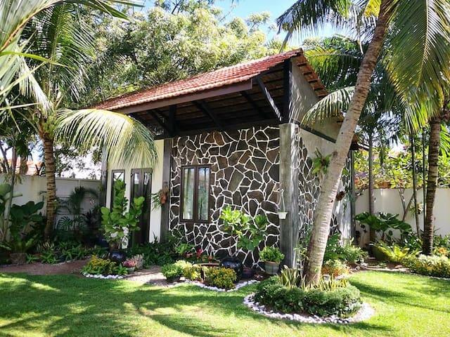 Casugria Dutch Heritage- Family Garden B&B 4 pax