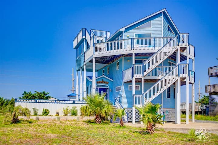 Ocean Access 5 Bed Home, Heated Pool, Pet Friendly
