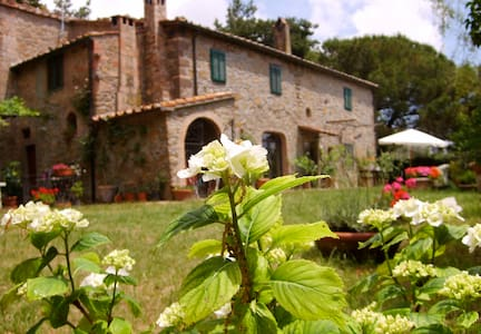 Casavacanze campagna con piscina - Montecatini Val di Cecina