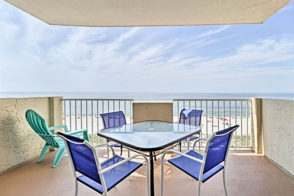 A picture-prefect getaway awaits you at this Gulf Shores vacation rental condo.