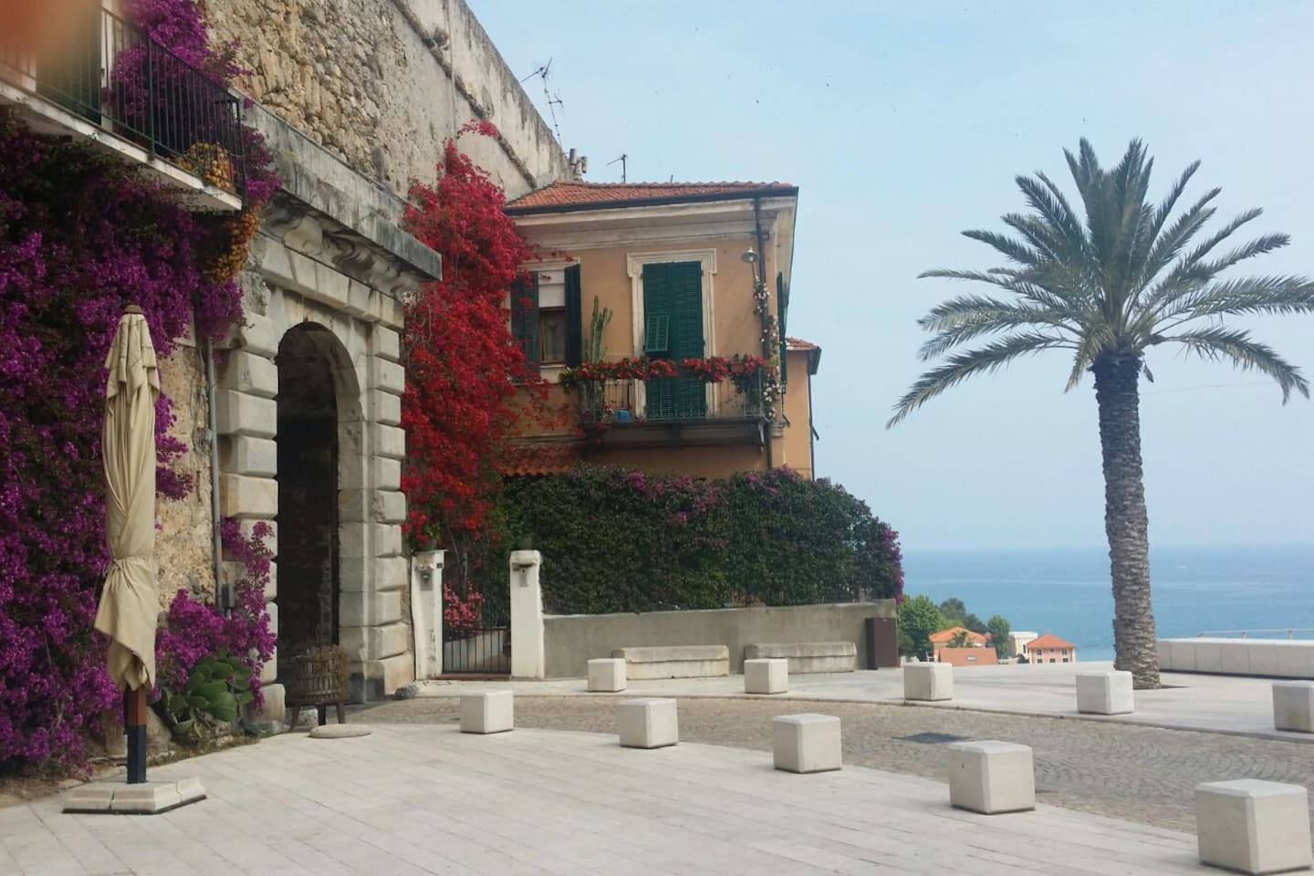 View on Porta nizza. .. 60 meters from your apartment