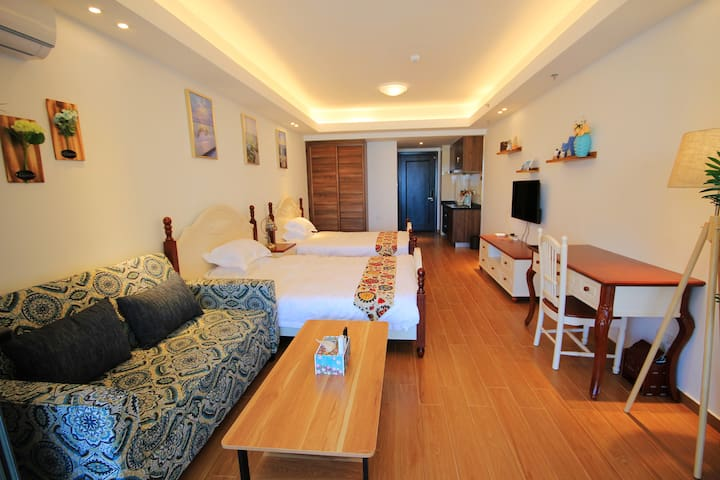 Deluxe unbeatable sea view 2 separate double rooms
