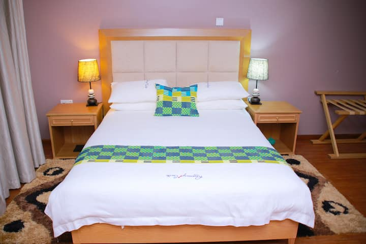 Rosemary Courts Hotel - private, clean and serene.