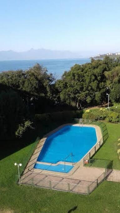 piscina / vista real desde la terraza del dpto