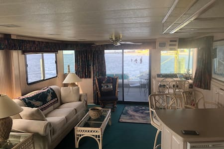 Private stay on the water, Dolphins and Sunsets!