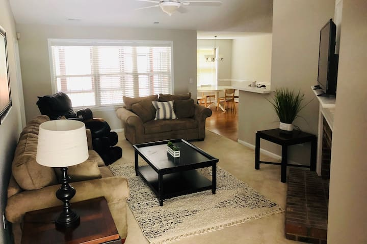 Relaxing, Spacious 3Br. Home **Massage Chair**