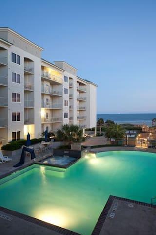 Galveston Condo/Pool On Beach 1BR-Q - Galveston - Kondominium