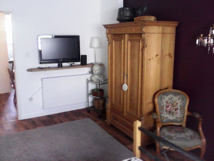 Moderner Flat-TV