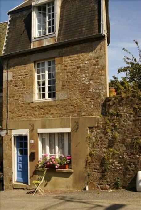 GwenCameron Cottage- our gite!