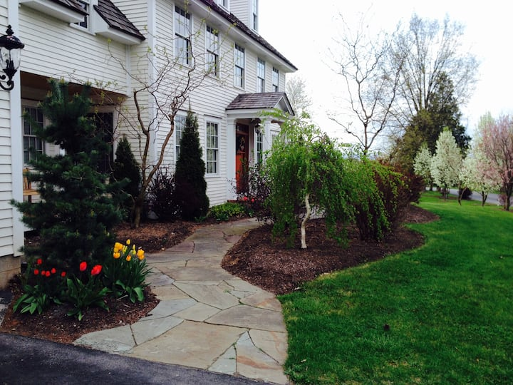 New England Colonial along Bucknell Golf Course