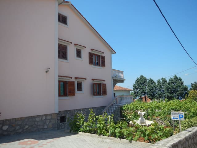 Apartment with see view for4Persons - Šilo - Apartmen