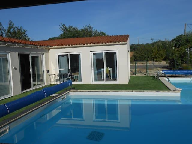 Chambre d'hôte, piscine, spa, Fontenay le Comte.