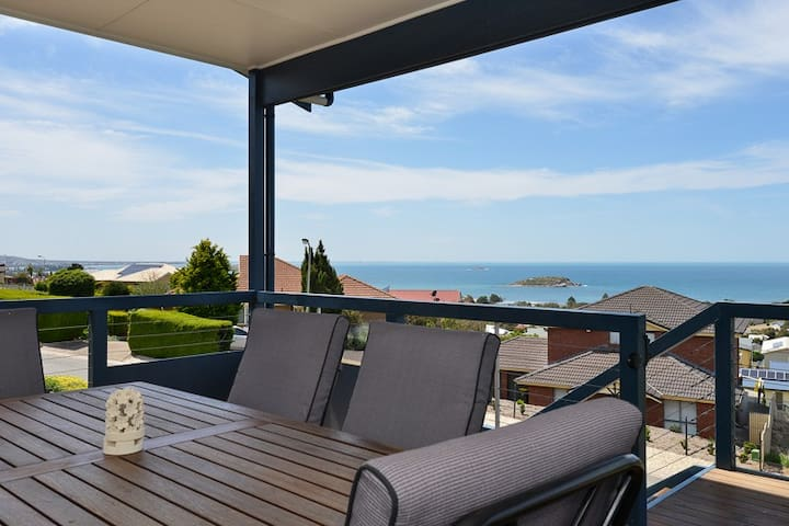 Encounter Bay Coastal Views to die for....