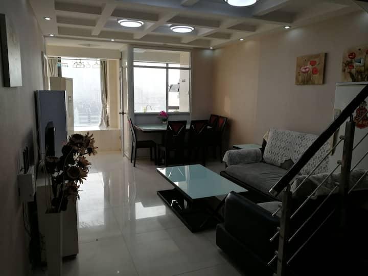 五里墩地铁口,知心城国购广场附近精装一室一厅一卫一厨公寓
