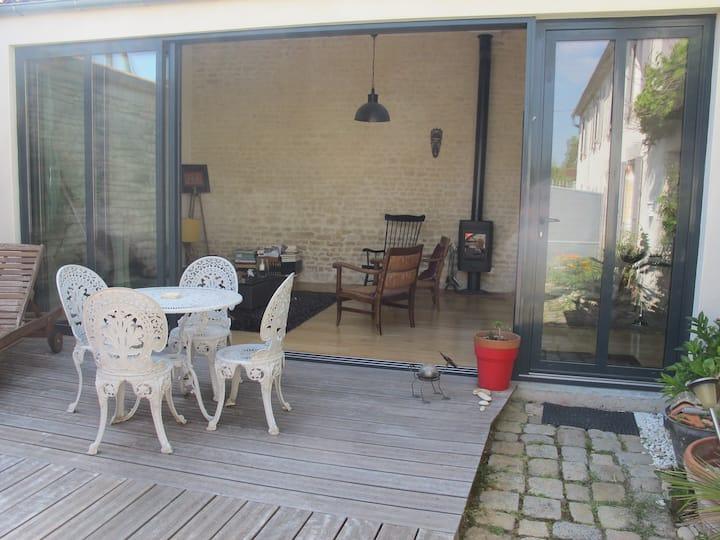 Grand atelier vitré + chambre sur jardin