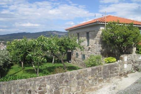 Casa Martinho Rustic House in contry near Porto - Galegos - Hus