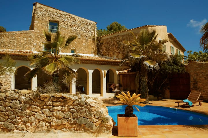 Cottage Jasmin, Sitges, 2 sleeps - Canyelles - House