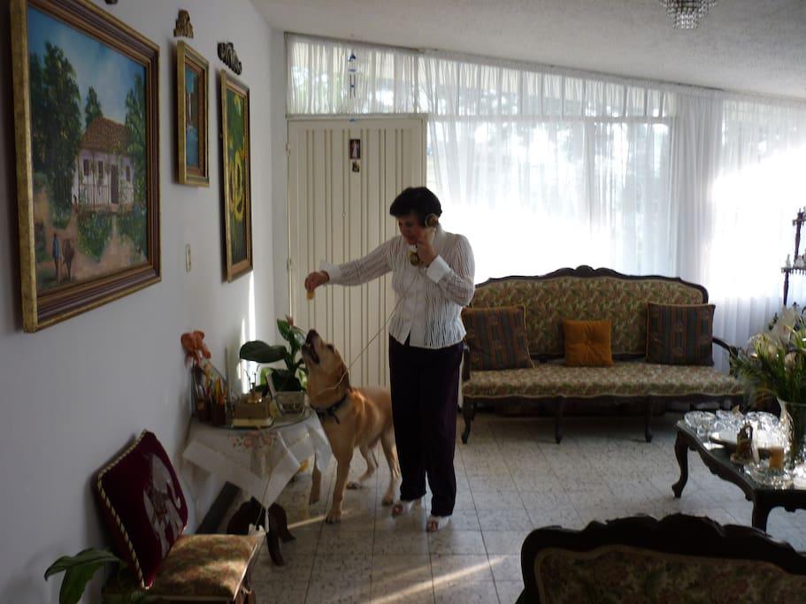 Comoda habitaci n en casa familiar casas en alquiler en for Habitacion familiar en alquiler