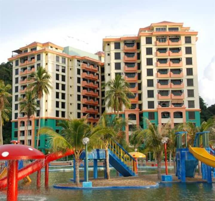 Cozy and Spacious Marina Cove Resort