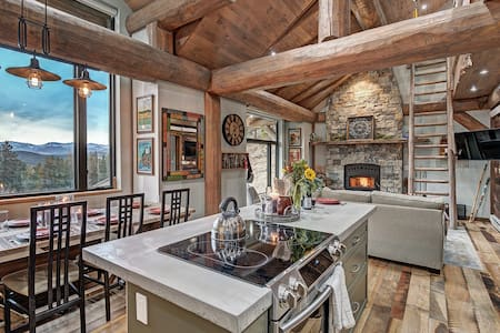 Mountain Cabin, great view, stream, drive to Denver or Boulder or Nederland