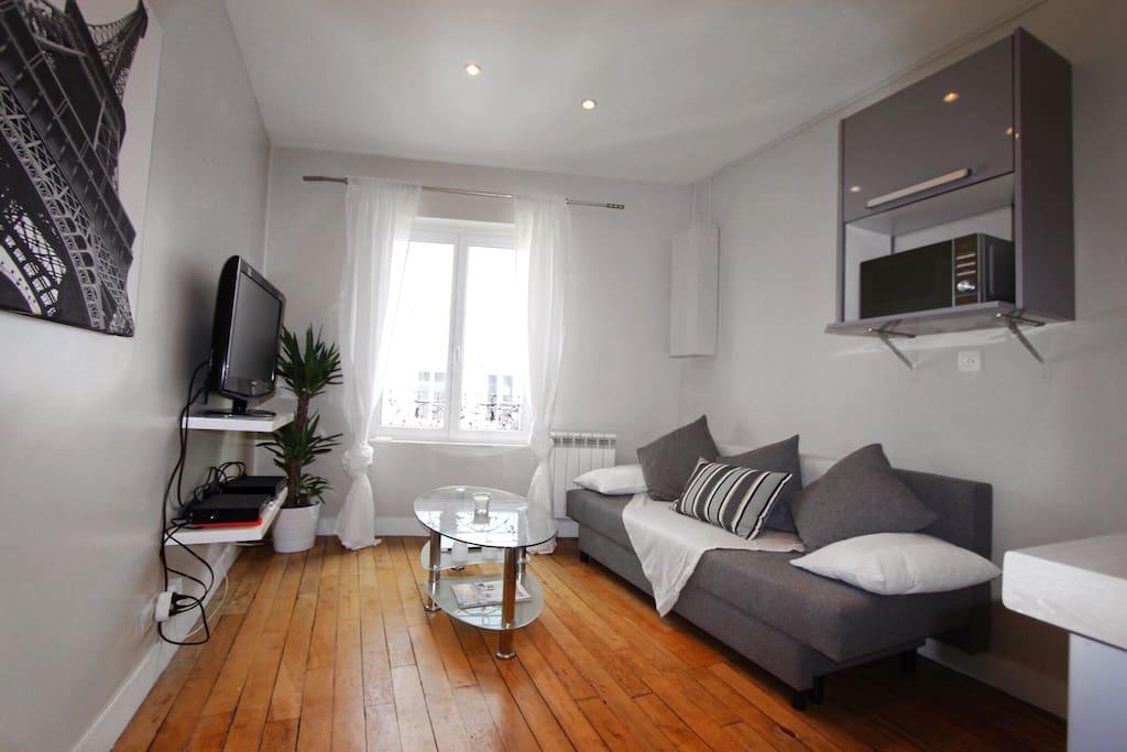 Bienvenue chez vous a Paris Montmartre.