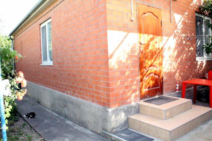 Двухкомнатный дом в Геленджике - Геленджик - Rumah
