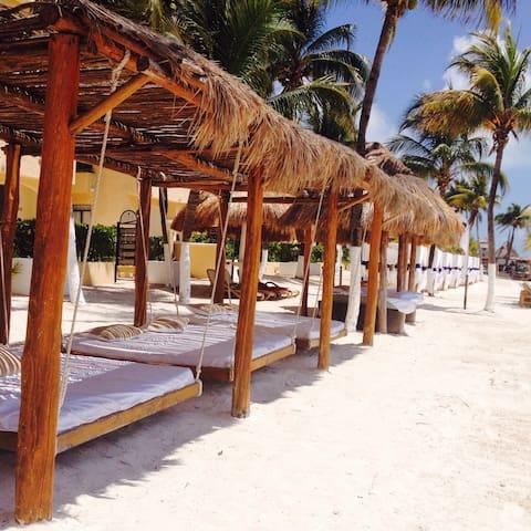 Beachfront Condo by the Sea - Cancún - Apartemen