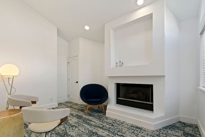 Stay as long as you want | 1BR in Englewood