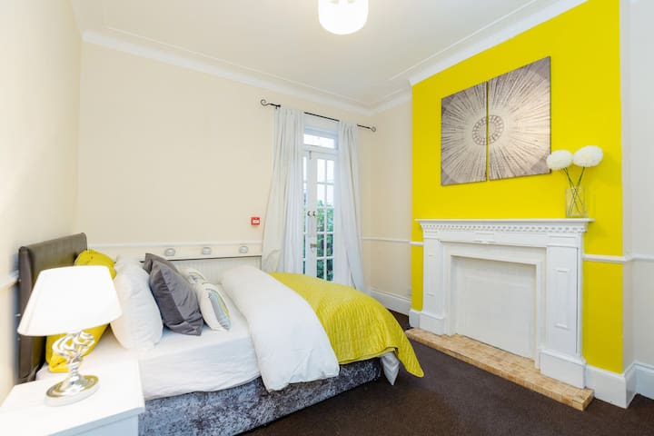Stunning Double Bedroom 25Mins To London Victoria - Thornton Heath - Hus