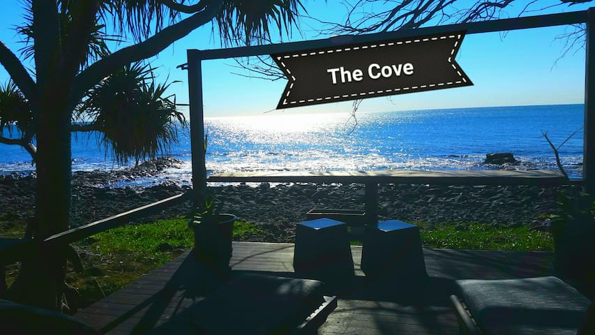 The Cove Oceanfront Retreat Apartment and Studio