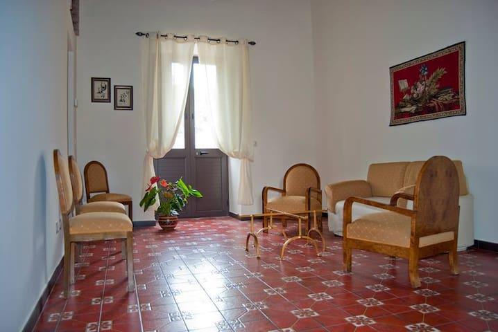 Casa Vacanze Torre Pagano - p. t. - Barcellona Pozzo di Gotto - Huis