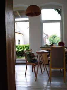 Großes Zimmer in ruhiger Wg an der Steingrube - Hildesheim - Apartment