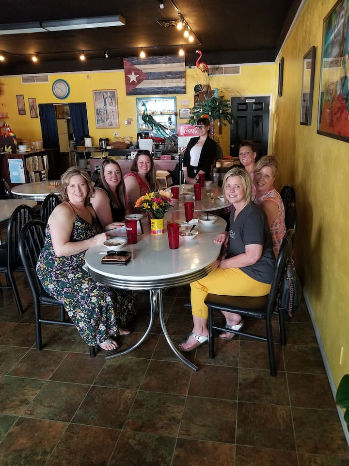 Cuban food tasting with Mojitos!!