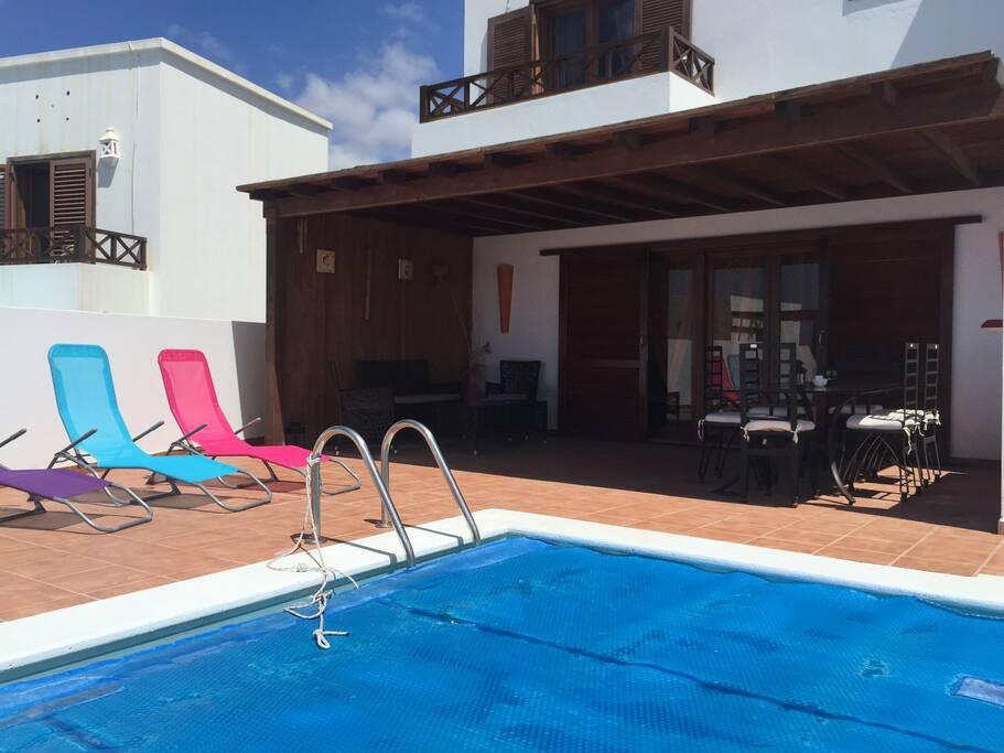 Excelent duplex wifi piscina privad townhouses for rent for Piscina las palmas