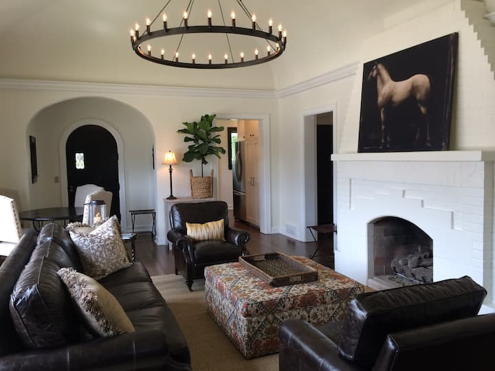 Charming upscale space near Hocking Hills.