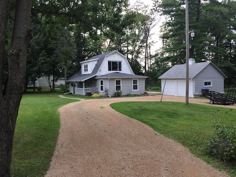Shawano WI Wolf River home with lake access