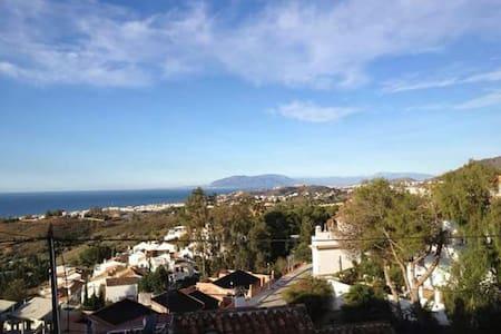 Beautiful views, beach&countryside - chilches (Malaga)  - Haus