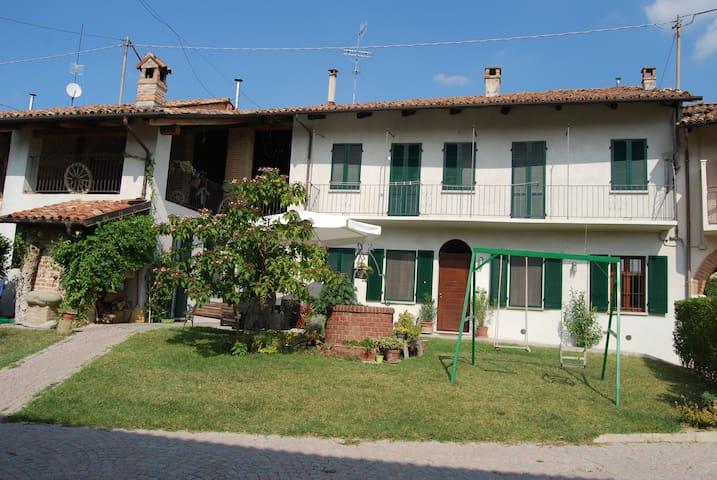 SCAPADACA' - Alba - Rumah