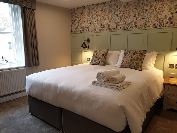 King Size Double Room - The Old New Inn