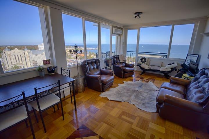 Penthouse Views - Melbourne Style - Saint Kilda - Apartamento