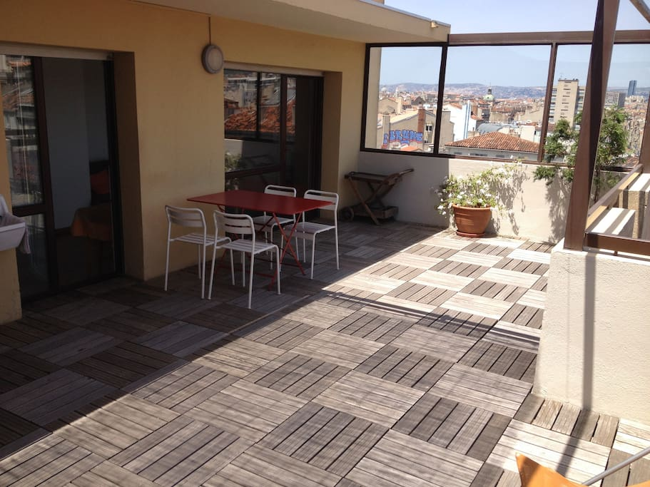 T2 30m2 castellane grande terrasse appartements louer for T2 marseille terrasse