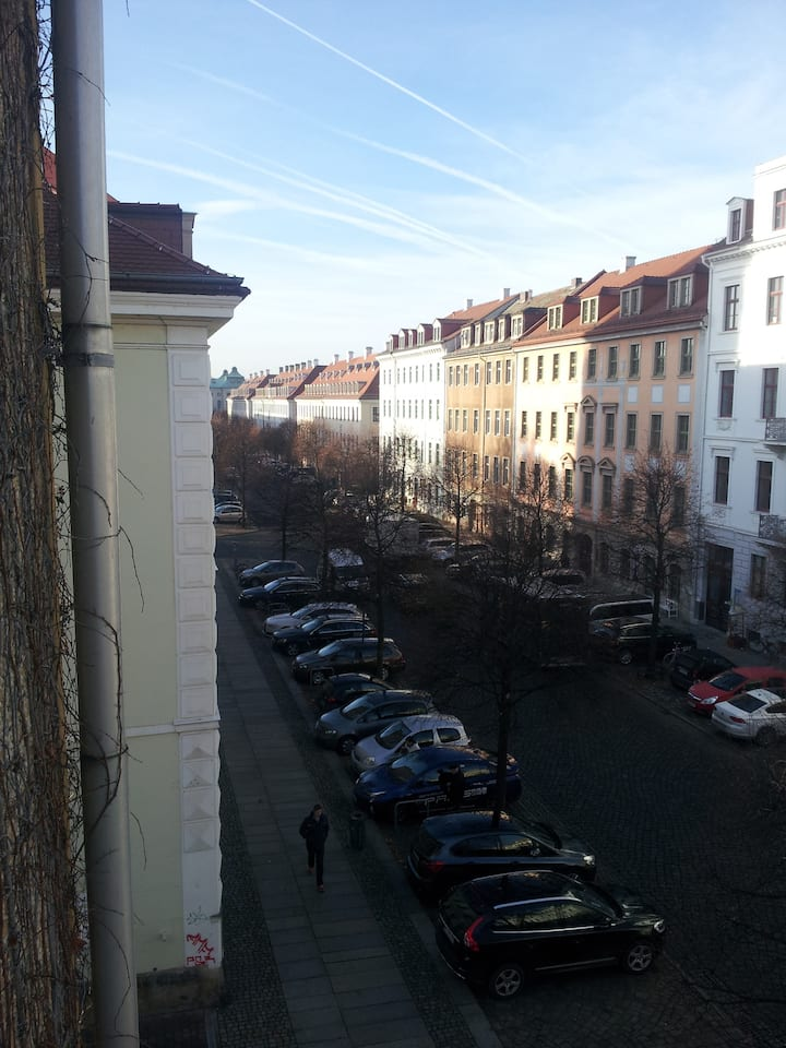 Sunny Room in Neustadt Close to Citycenter